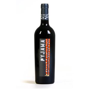Pyjama Mencía se trata de un perfil de vino muy versátil debido a su estructura y la personalidad de la variedad Mencía. Válido para disfrutar en variadas ocasiones ya sea en barra y por copas, pero también es adecuado para mesa y comidas más copiosas.